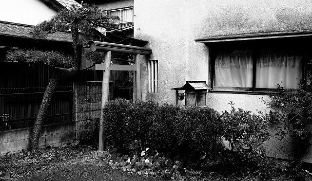富士フイルム X-T10 で飯能の旧花街を撮り歩く (4/4)