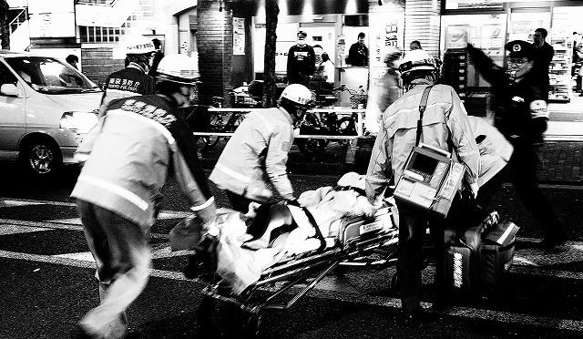 富士フイルム X-T10 で再び夜の新宿二丁目を撮る (3/3)