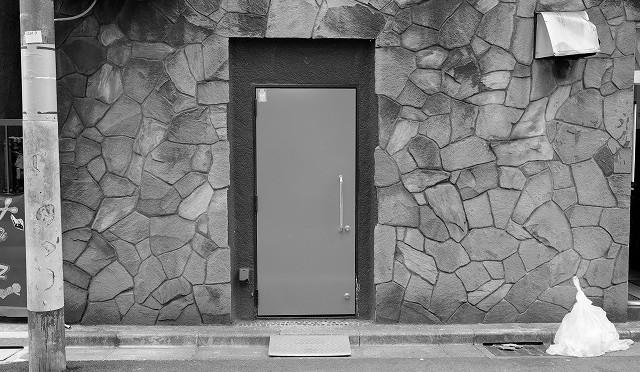 富士フイルム X-T10 と新宿一丁目を街歩き (1/2)