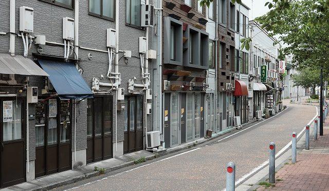 富士フイルムX-T10/XF 35㎜ F2で横浜の下町を歩く・・・黄金町・親不孝通り・福富町・野毛 (1/3)