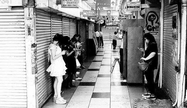 富士フイルムX-T10/XF 35㎜ F2で真夏の上野界隈を朝散歩♪ (1/6)