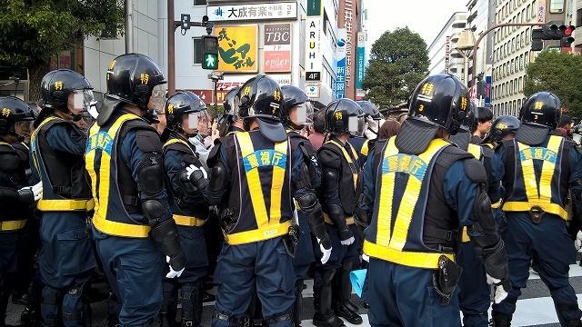 吉祥寺駅前の騒乱事件  左翼 .vs. 右翼